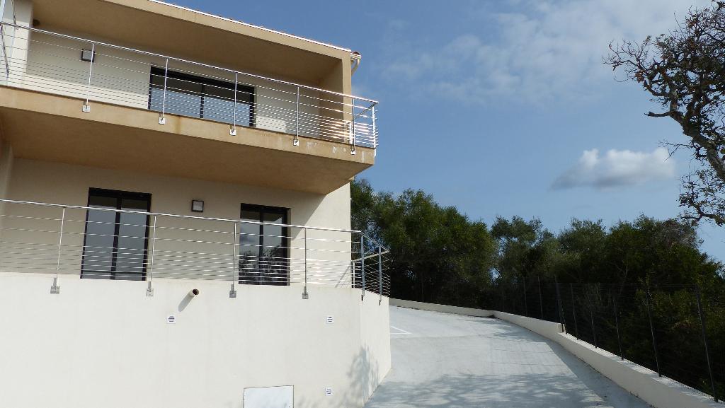 Duplex  Récent  Bastelicaccia 3 pièce(s) 72 m2 avec 2 terrasses vue mer