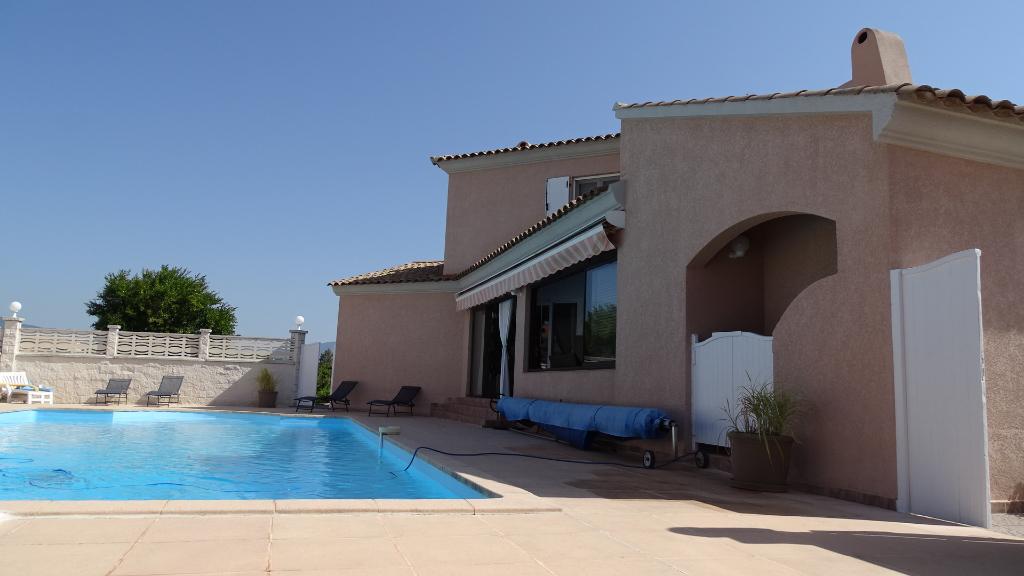 PORTICCIO charmante Villa  230 m2 avec piscine dans résidence , vue mer