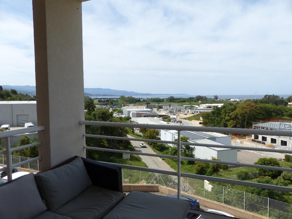 Appartement récent  Ajaccio 2 pièce(s) 51 m2 vue mer  secteur Ricanto