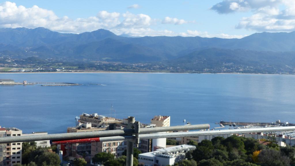 Appartement Ajaccio 4 pièce(s) 96 m2 vue imprenable sur la mer secteur Salario