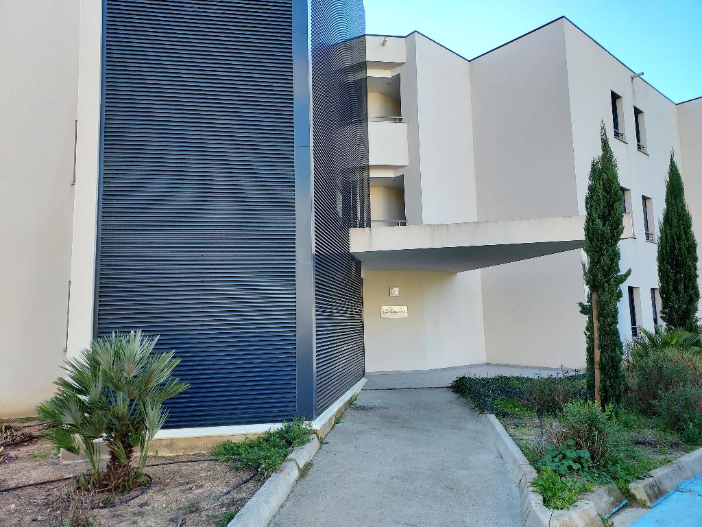 Plein coeur Porticcio T1 récent 33m² dans résidence fermée