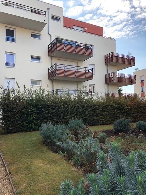 Clermont Ferrand  Les carmes  F3  avec terrasse et garage
