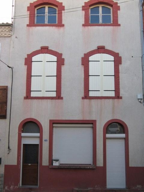 St Germain Laval maison avec cour et garages