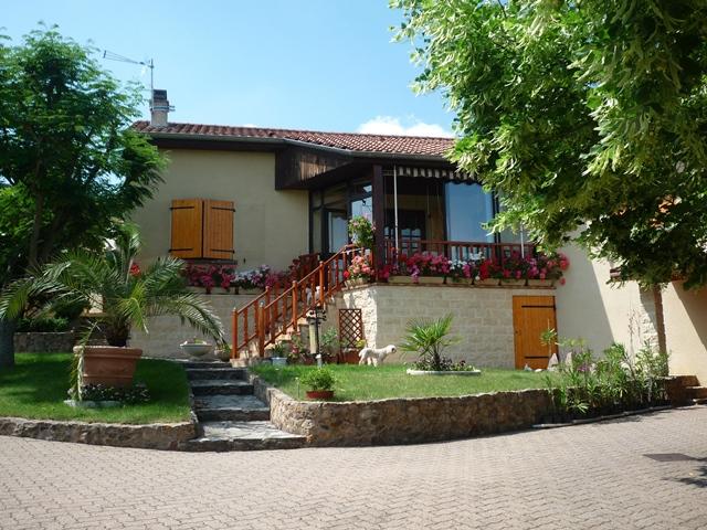 Chatelguyon maison  4 chambres et terrain 1800m²