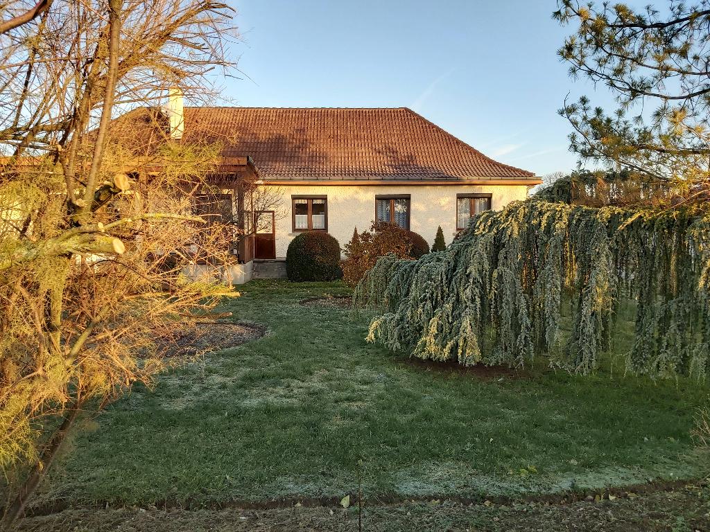 Maison à vendre à Riom 15mn 130m² hab. et terrain 1800m²