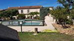 A vendre en campagne de Cavaillon mas entièrement rénové avec goût comprenant piscine sur 1800m² de terrain. 4/10