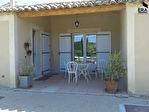 A vendre sur Joucas propriété sur 7 hectares de terrain comprenant de nombreuses dépendances idéal pour activité gîtes, chambres d'hôtes. 16/18