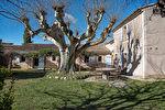 A vendre sur Joucas propriété sur 7 hectares de terrain comprenant de nombreuses dépendances idéal pour activité gîtes, chambres d'hôtes. 17/18