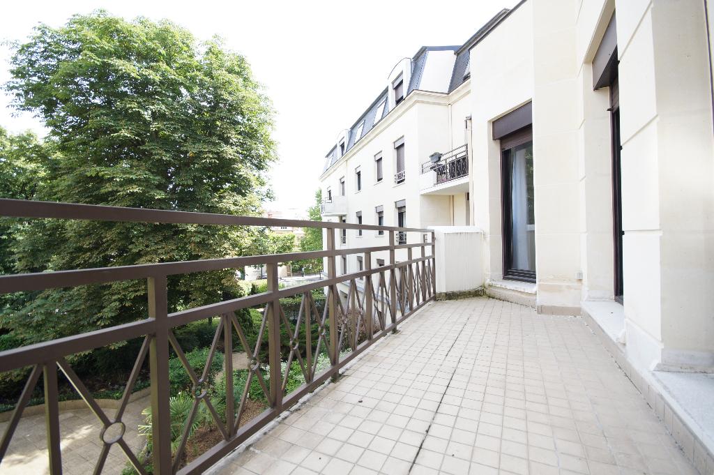 Appartement La Garenne Colombes 3 pièce(s) 63 m2