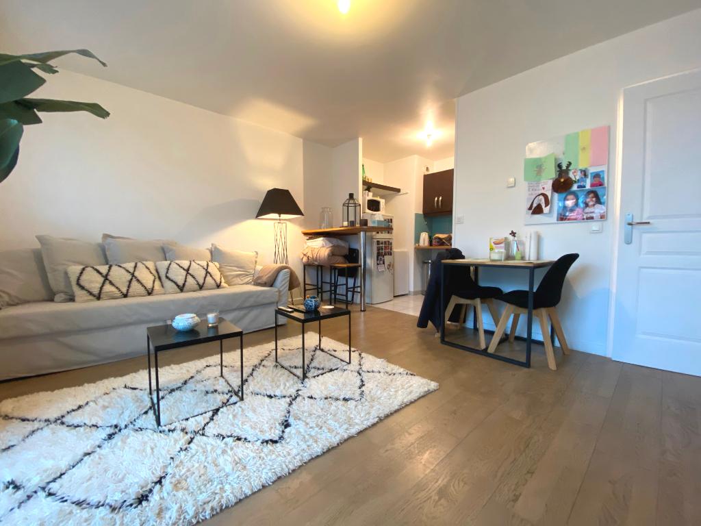 Appartement 2 pièces de 40 m² - SARTROUVILLE