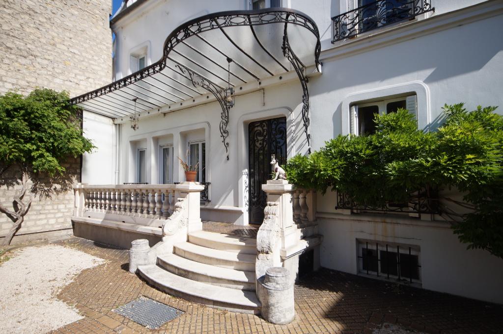 MAISONS-LAFFITTE - Maison 7 pièces offrant 4-5 chambres