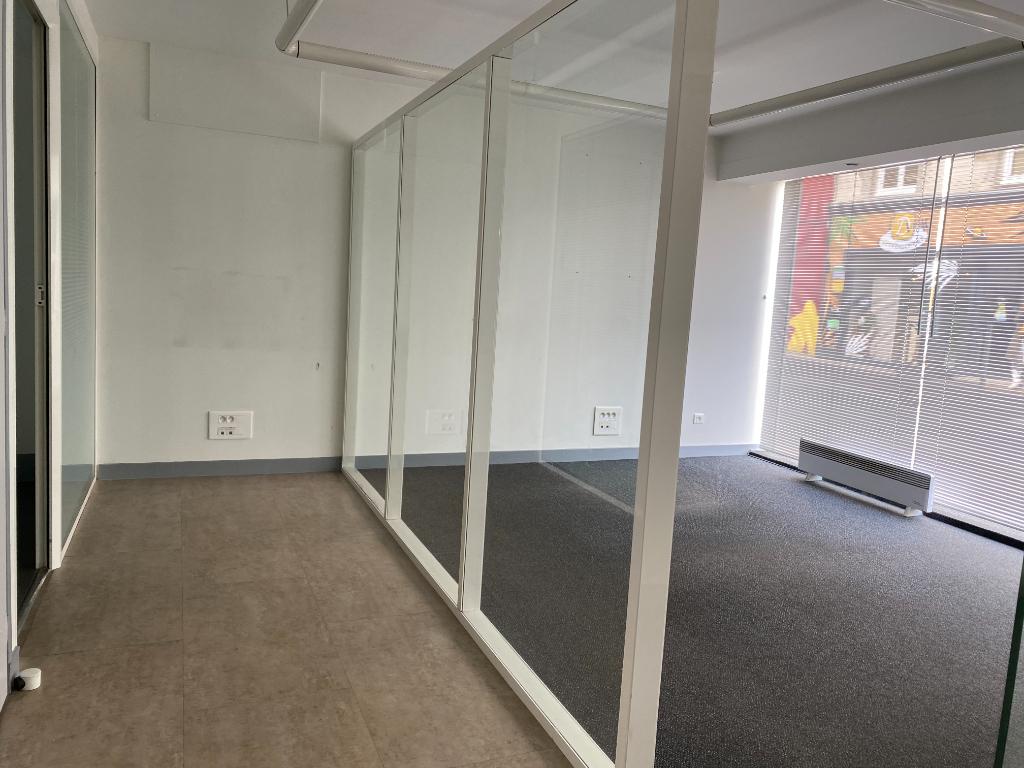 Local commercial Montaigu Vendee 80 m2
