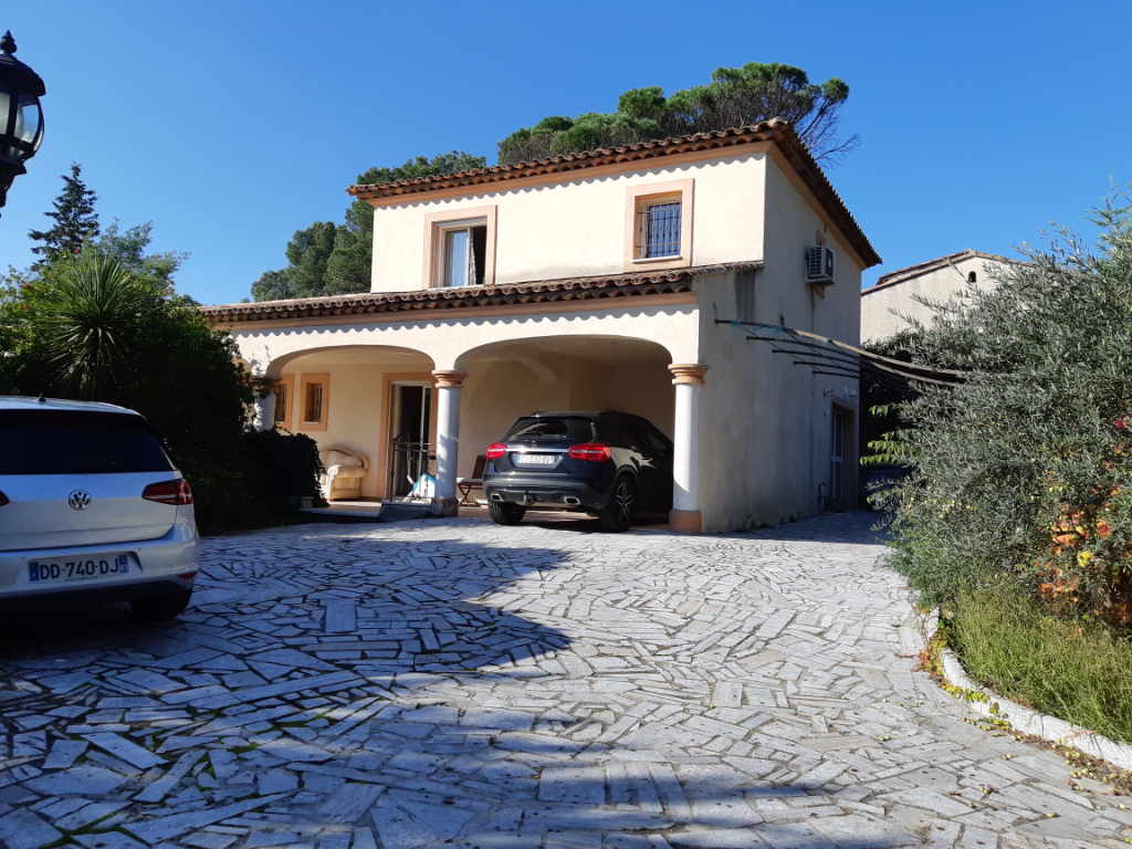 Villa Saint Raphael 6 pièces