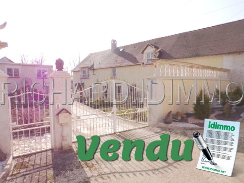 VENDU Maison - 10 pièces - 280 m² - SCEAUX DU GATINAIS - 45 - LOIRET