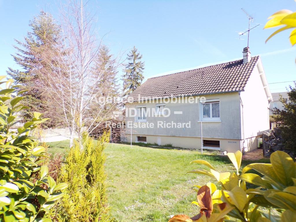 Maison sur sous-sol total avec 757 m² de Terrain