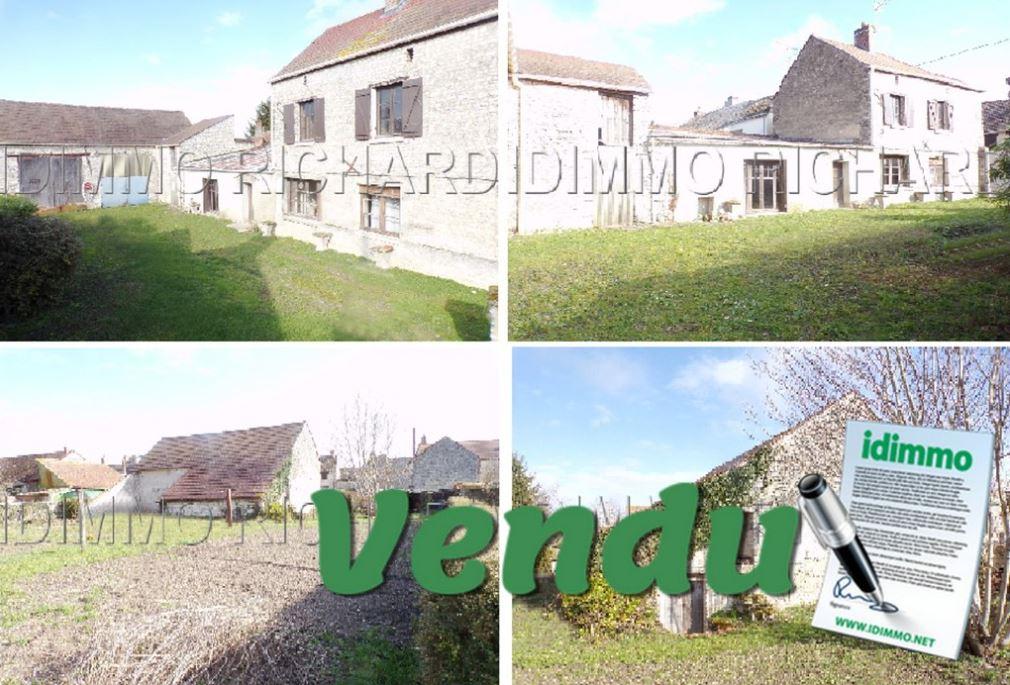 SOUS COMPROMIS DE VENTE - SCEAUX DU GATINAIS - Maison - 4 pièces - 130 m²  - 45 - LOIRET