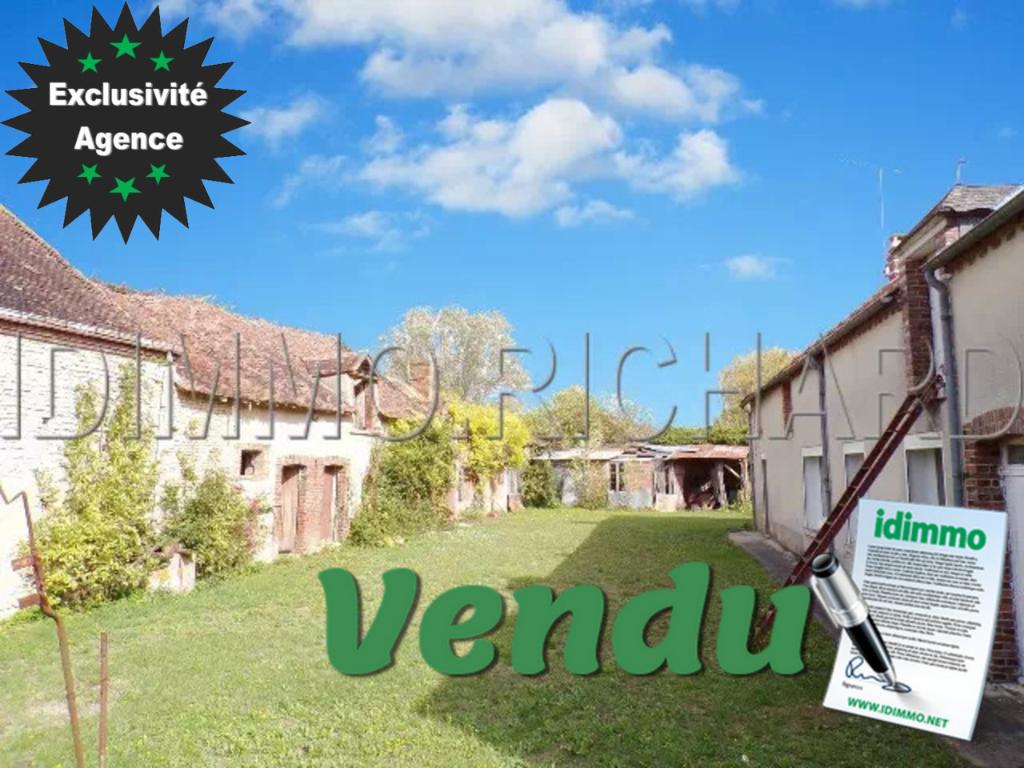 MOULON - Corps de Ferme 95 m² habitables, 2743 m² de Terrain + Grange 240 m².