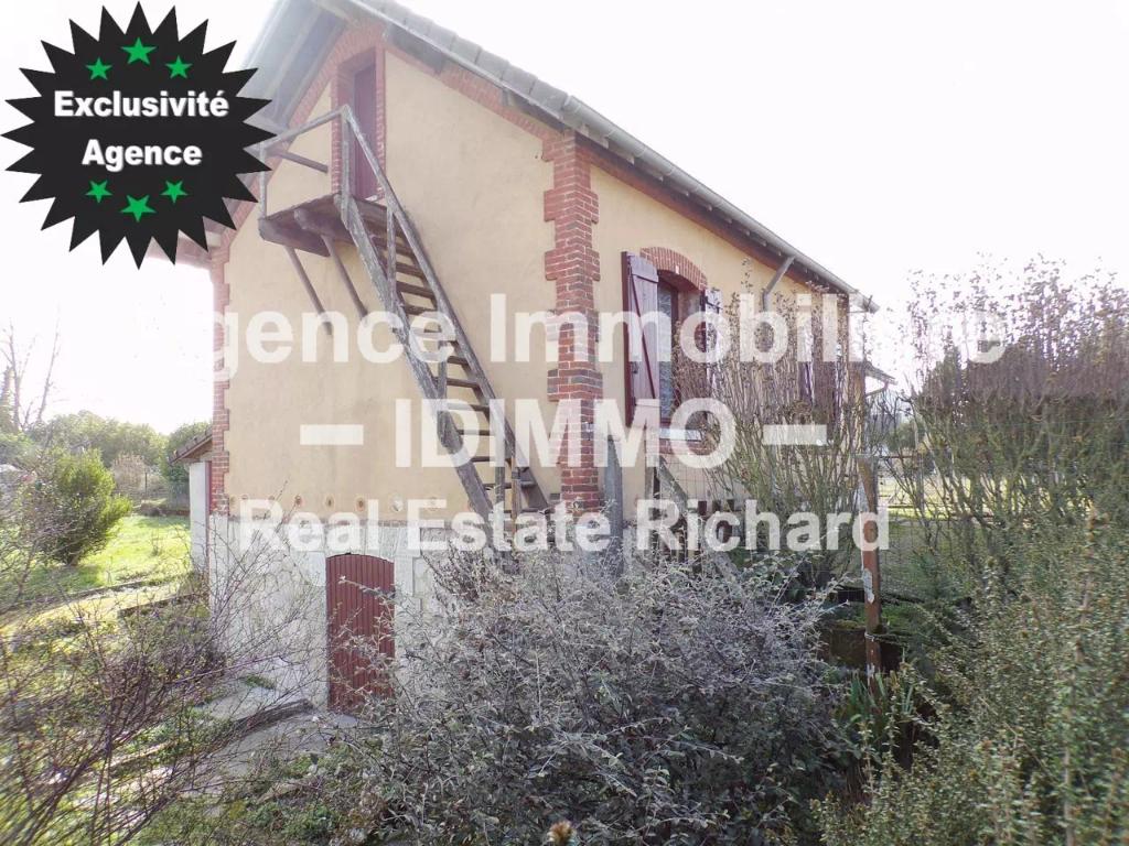 CORBEILLES - Maison, 70 m² Habitables, 903 m² de Terrain, garage.