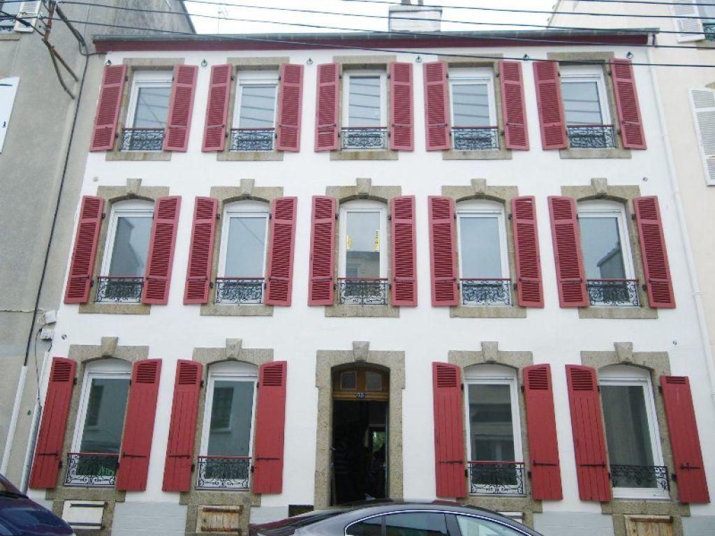 VENDU BREST  SAINT-MICHEL  IMMEUBLE DE RAPPORT  250m² Réhabilité en 2010  6 appartements tous loués