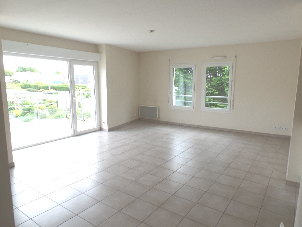 LOCATION  BREST  LAMBEZELLEC  APPARTEMENT T4  82,50 m² TERRASSE PARKING