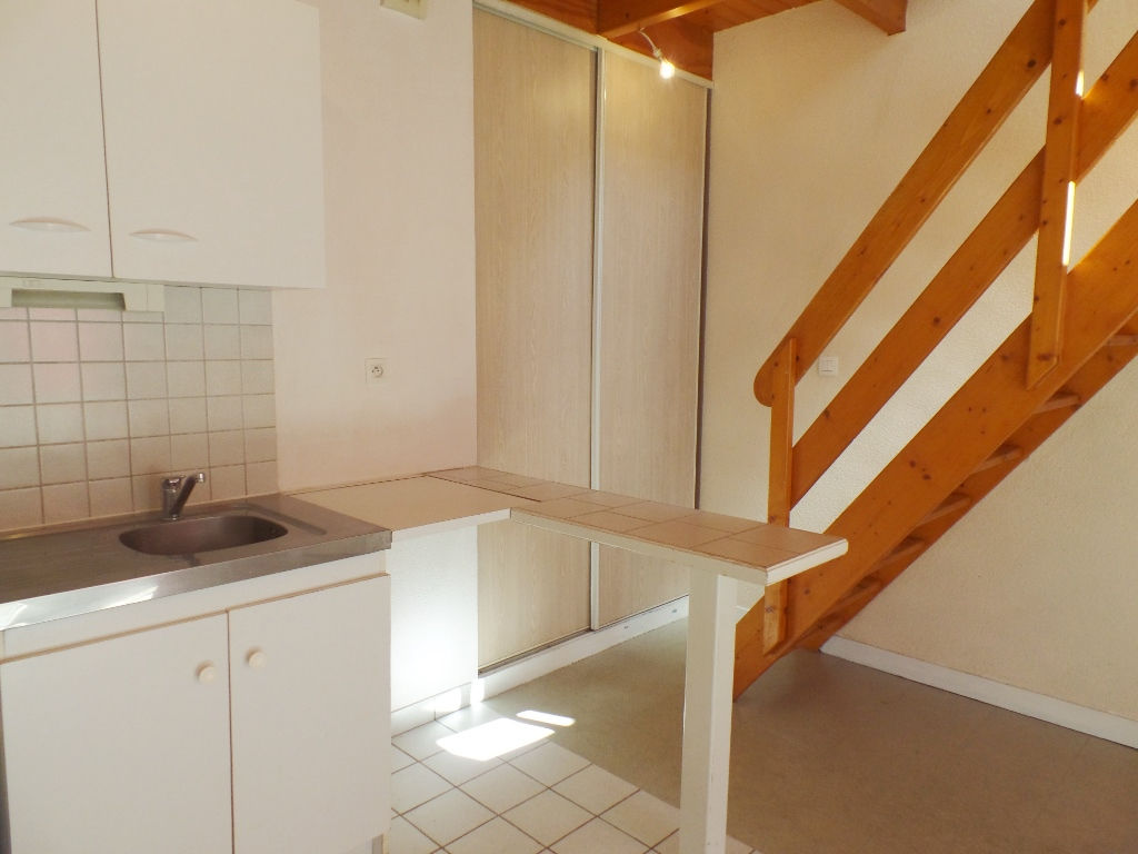LOCATION BREST OCTROI CENTRE VILLE JAURES APPARTEMENT T1 BIS DUPLEX 30.89M²