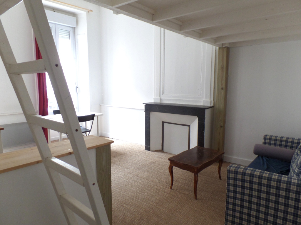 LOCATION BREST CENTRE JAURES APPARTEMENT T1 BIS 27M² MEUBLE