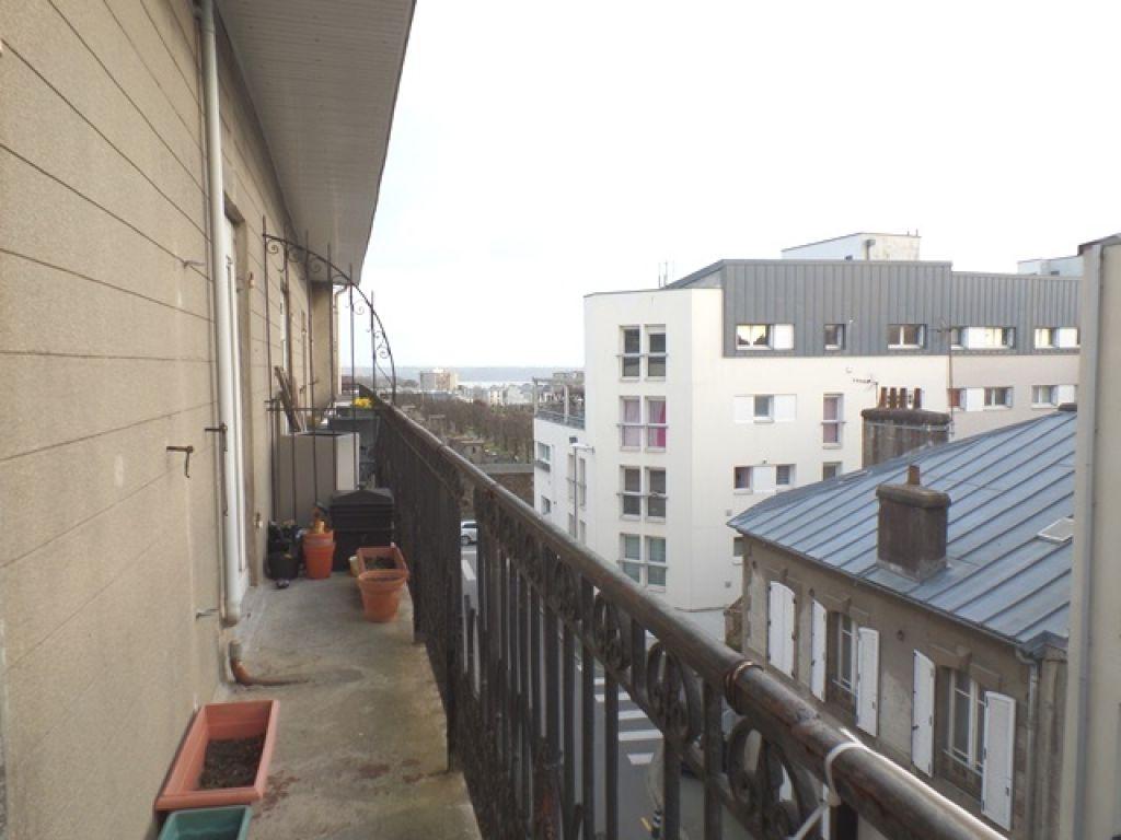 A LOUER BREST CENTRE JAURES APPARTEMENT T4 96.06 m² BALCON