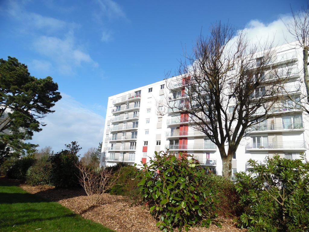 A VENDRE EN EXCLUSIVITE  BREST  SAINT PIERRE  APPARTEMENT T5  98M²  3 CHAMBRES  ASCENSEUR  BALCON  PARKING