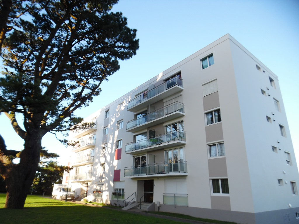 A VENDRE  BREST  SAINT PIERRE  APPARTEMENT T4  80 M²  3 CHAMBRES  ASCENSEUR  BALCON  PARKING