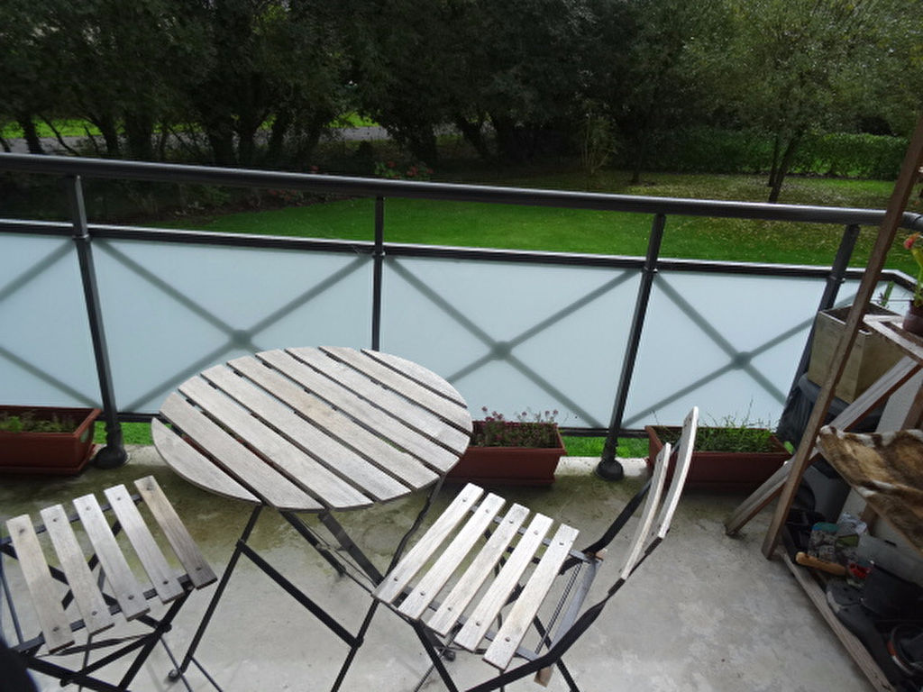 A VENDRE LORIENT KERFICHANT APPARTEMENT T2 de 32m² TERRASSE SUD ET PARKING PRIVE