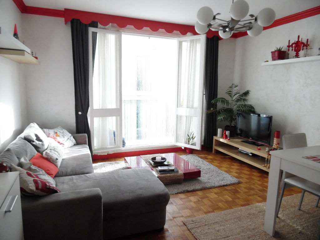 VENDU EXCLUSIVITE    BREST  LAMBEZELLEC  APPARTEMENT T3  62M²  2 CHAMBRES  DALLE BETON  GARAGE