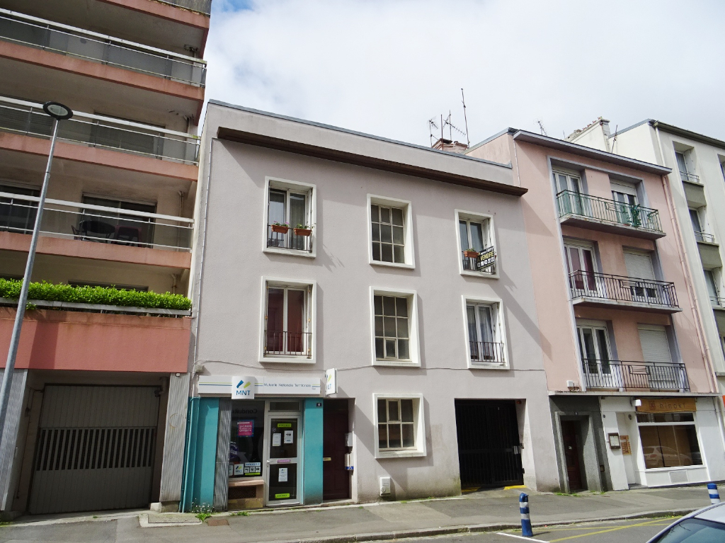 VENDU  BREST   CENTRE LIBERTE  APPARTEMENT T4   84.01M²  DALLE BETON