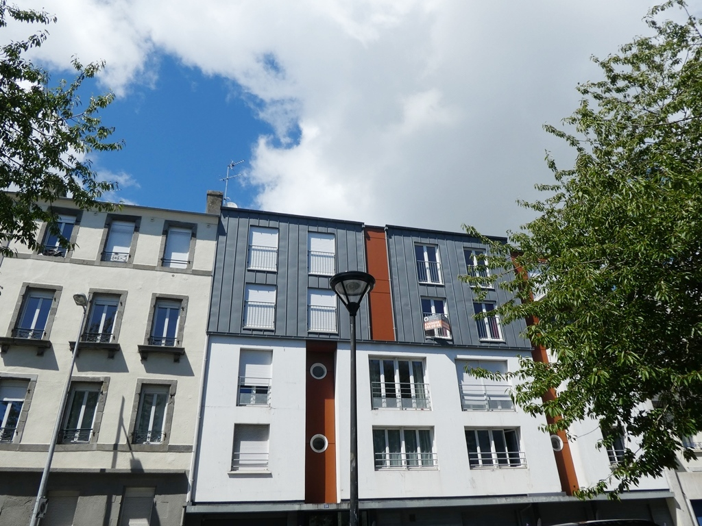 VENDU BREST PILIER ROUGE APPARTEMENT T2  45 m2   RESIDENCE DE 2007  EXPOSE SUD  ASCENSEUR  PARKING  LOCATAIRE EN  PLACE