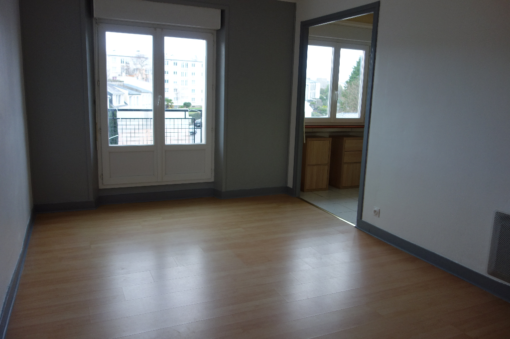 A VENDRE EXCLUSIVITE  BREST  STRASBOURG  APPARTEMENT T4  57M²  3 CHAMBRES  VUES DEGAGEES