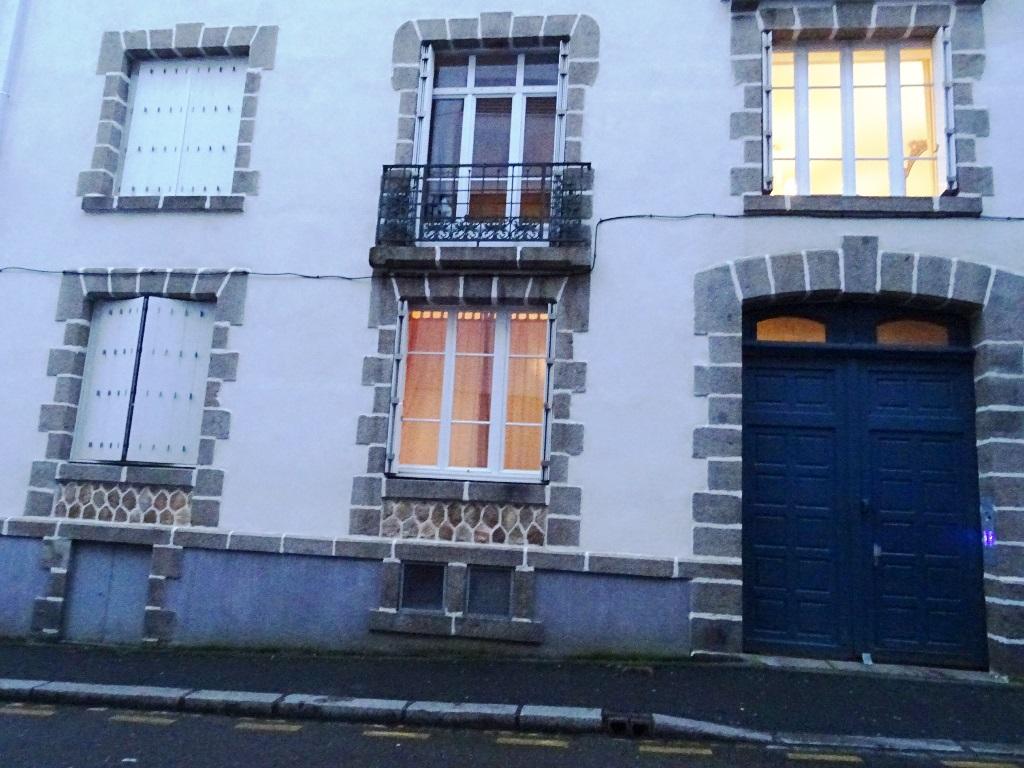 VENDU  BREST  CENTRE JAURES  APPARTEMENT T3  70 m2    BEAUCOUP DE CACHET