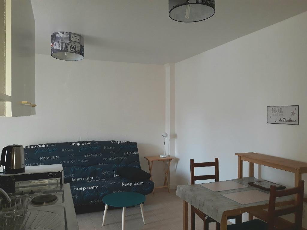 A LOUER  - LORIENT MERVILLE - STUDIO MEUBLE DE 21 m²