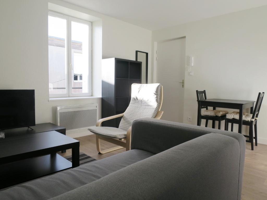 LOCATION BREST QUATRE MOULINS APPARTEMENT T2 MEUBLE 37 m²