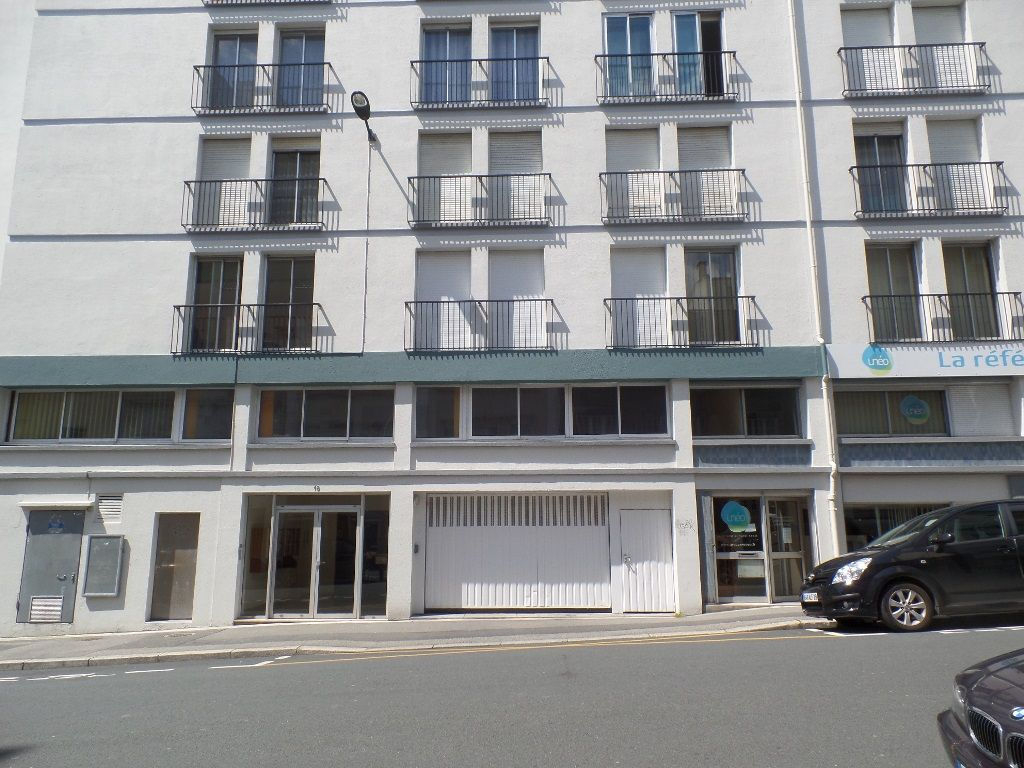 LOCATION BREST CENTRE VILLE PLACE DE PARKING COUVERTE SOUS SOL SECURISE PROXIMITE RUE JEAN JAURES