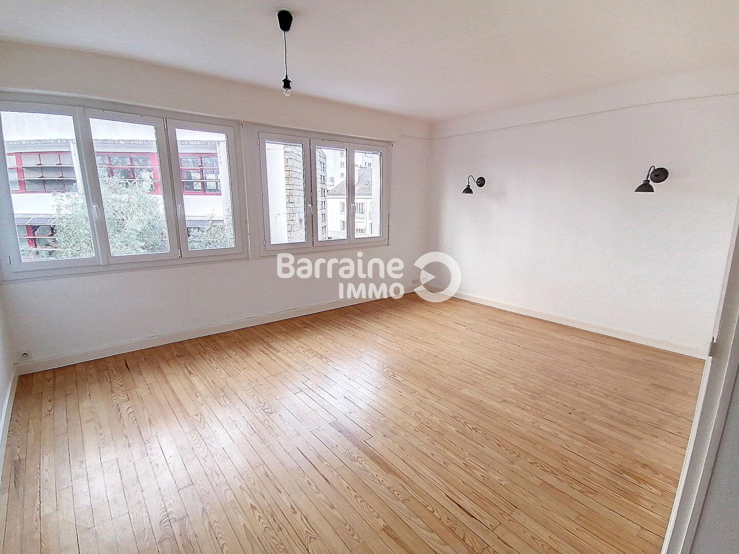 A LOUER - LORIENT CENTRE VILLE- Appartement T3 AU 3EME ETAGE