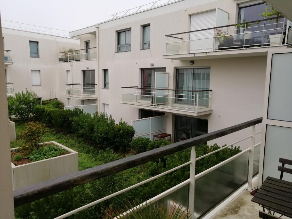 A LOUER - LORIENT CENTRE VILLE - Appartement T2 de 48 m² avec garage et balcon