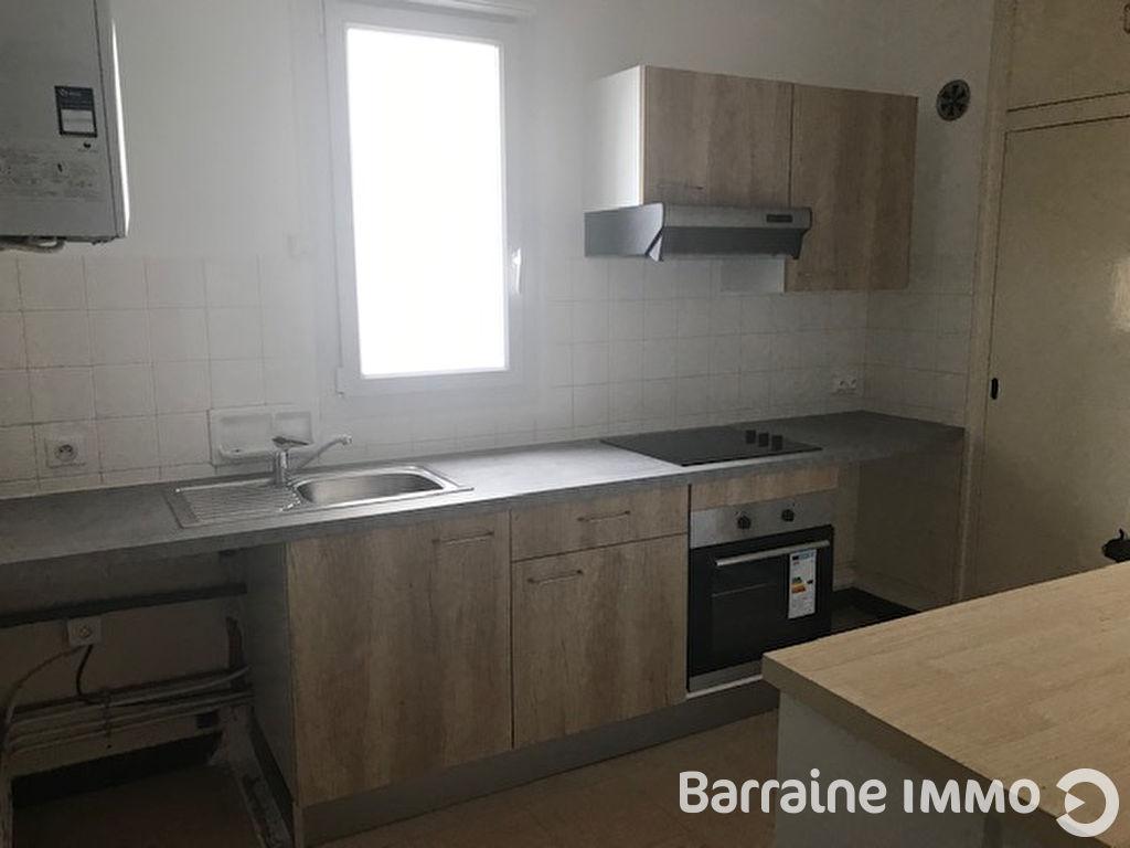 A LOUER - LORIENT CENTRE VILLE - BEL APPARTEMENT T3 de 59 m² avec BALCON