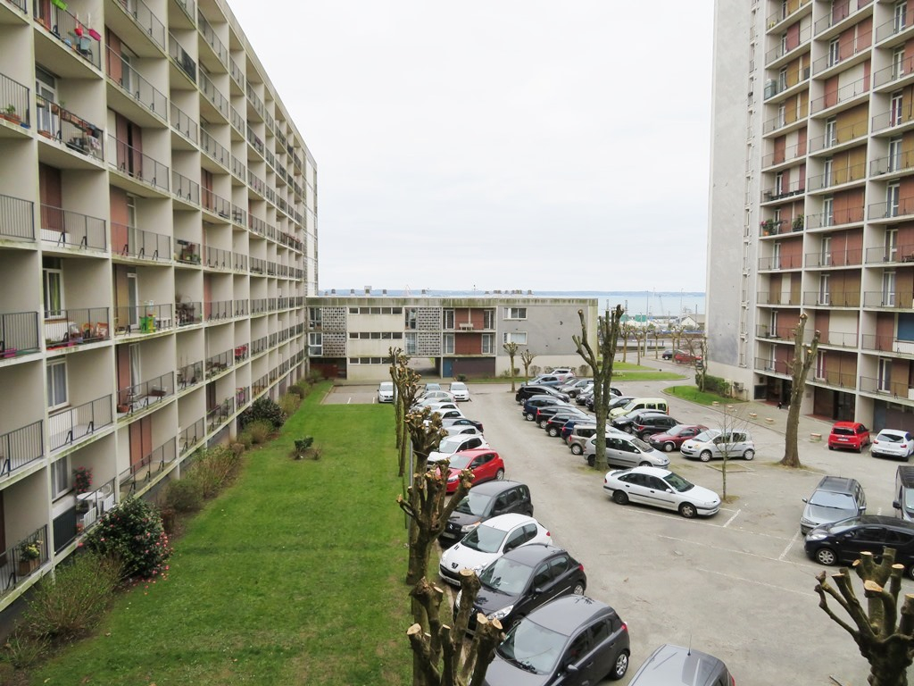 A VENDRE   BREST   SAINT MICHEL   GAMBETTA  APPARTEMENT T5 98.13 m²  PARKING PRIVATIF   DALLE BETON   5 BALCONS