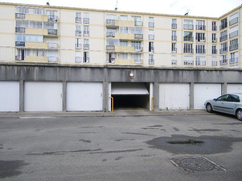 A VENDRE  BREST  GUELMEUR  69, rue GUYNEMER  PARKING COUVERT SECURISE