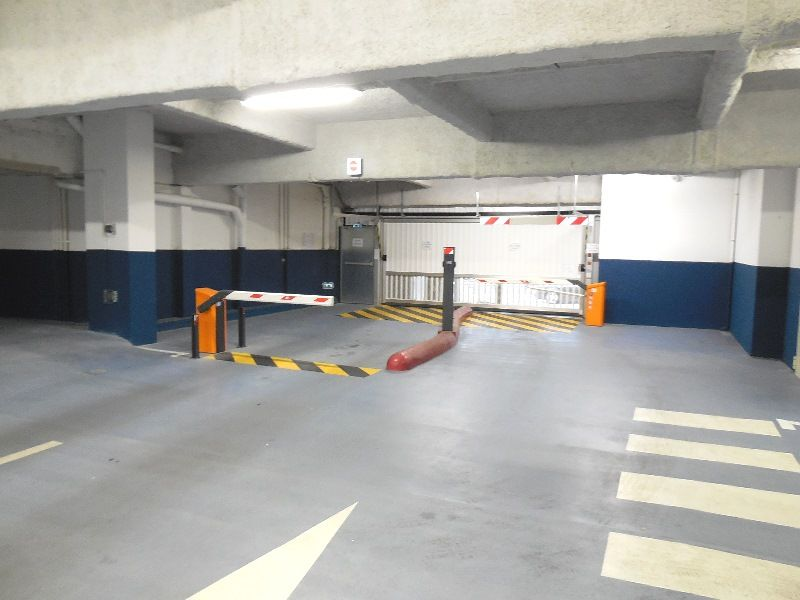 VENDU BREST  CENTRE SIAM  PLACE DE PARKING SOUTERRAIN  5.24M X 2.55M
