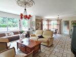 Maison de 154 m2 sur 2450 m² de terrain avec piscine couverte et deux doubles garages. 3/13