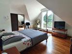 Maison de 154 m2 sur 2450 m² de terrain avec piscine couverte et deux doubles garages. 8/13