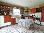 Maison de 154 m2 sur 2450 m² de terrain avec piscine couverte et deux doubles garages. 11/13