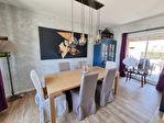 ELLLIANT Maison en pierre rénovée avec goût de 150 m² sur 239 m² de terrain. 2/13