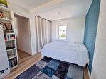 ELLLIANT Maison en pierre rénovée avec goût de 150 m² sur 239 m² de terrain. 10/13