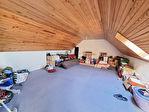 ELLLIANT Maison en pierre rénovée avec goût de 150 m² sur 239 m² de terrain. 11/13